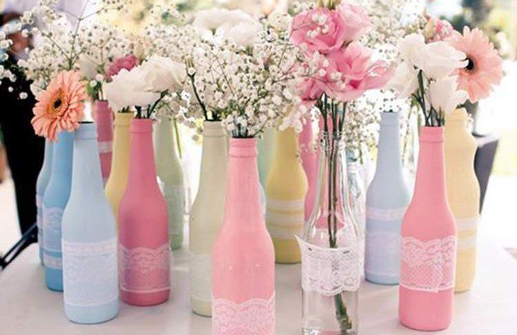 garrafas-coloridas-para-decoracao-de-casamento-simples